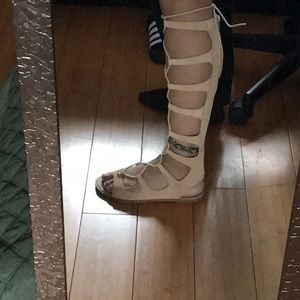 Aldo tall gladiator style sandals (tan-ish) color